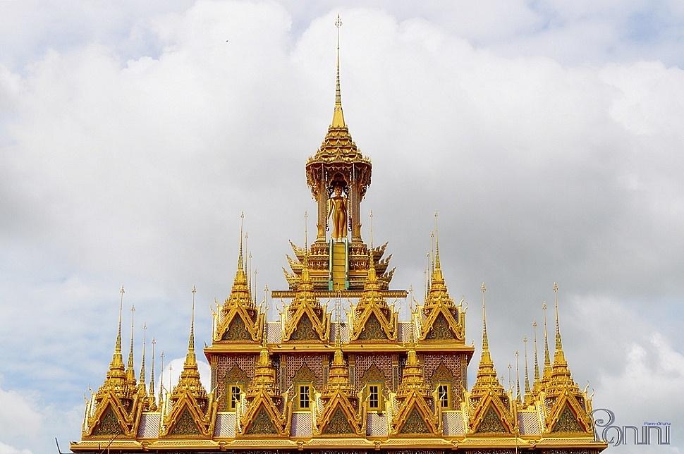 ปราสาททองคำ วัดท่าซุง