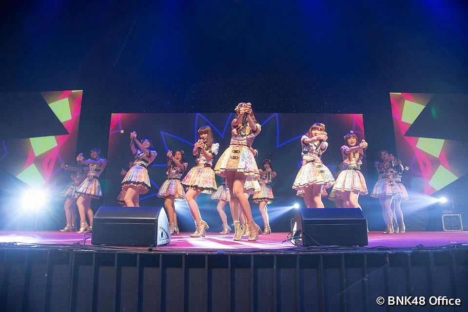 การแสดงสดช่วง Mini Concert งาน BNK48 Mini Live and Handshake
